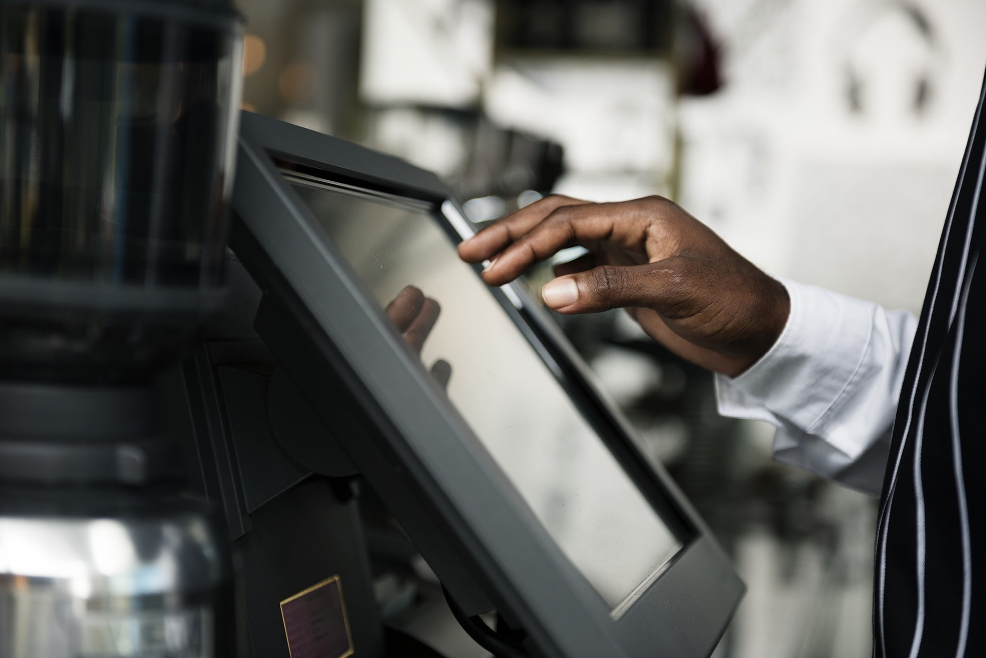 Selecting the Right Restaurant POS System